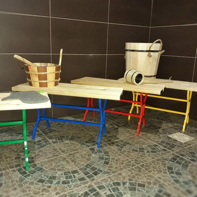 Скамейка для моечного отделения в бане.